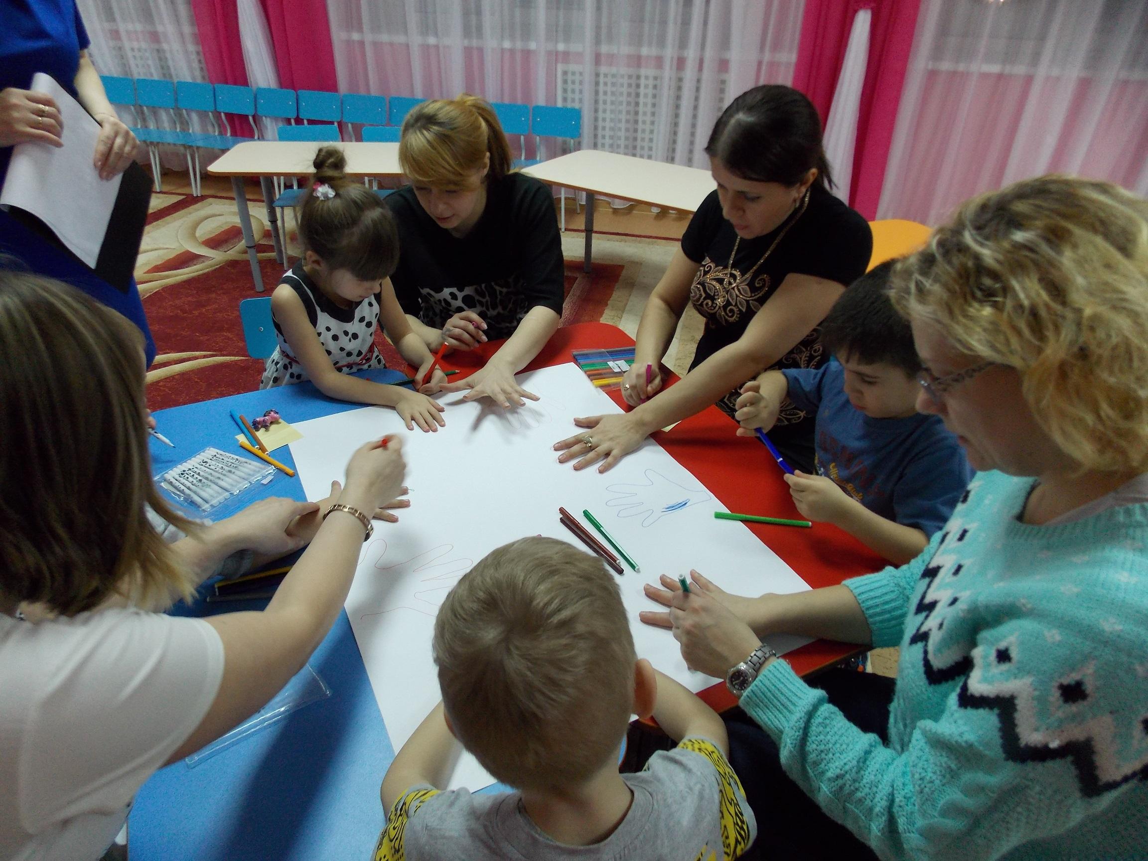 Дети с родителями на занятиях фото
